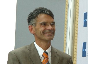Dr. Wolfgang George: Das Rechts-, Wirtschafts- und Sozialformat bietet den handelnden Akteuren in der Krankenversorgung und der Gesundheitswirtschaft die Möglichkeit zur Etablierung einer wertegeleiteten Ökonomie. (Foto: Wilfried J. Klein)